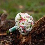 Buchet crizanteme miniroze frezii