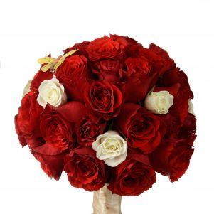 Buchet cu trandafiri rosii si miniroze albe