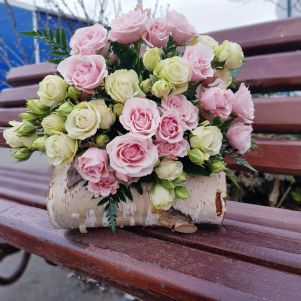 Buchet cu miniroze alb, roz