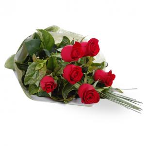 Buchet clasic cu 7 trandafiri