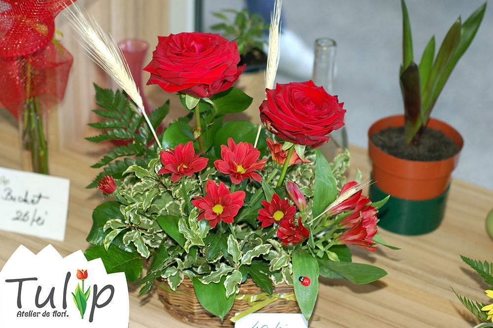 Aranjamente elegante cu trandafiri